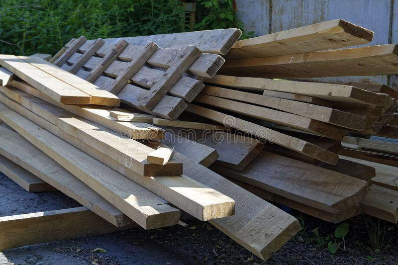 Stapel oude houten raad royalty-vrije stock fotografie