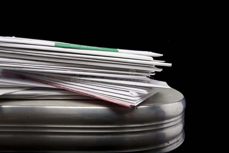 Stapel Post lizenzfreie stockfotos