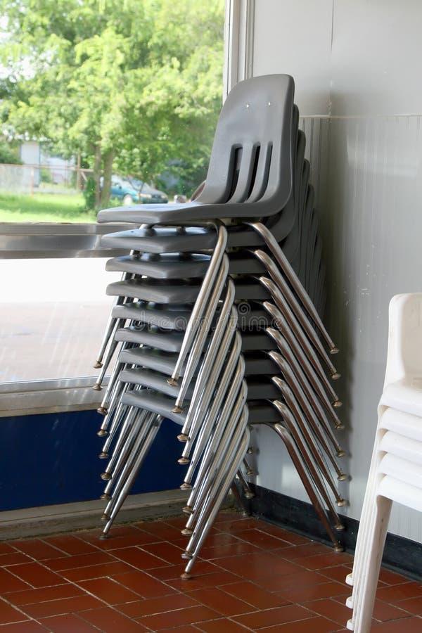 Stapel stoelen royalty-vrije stock fotografie