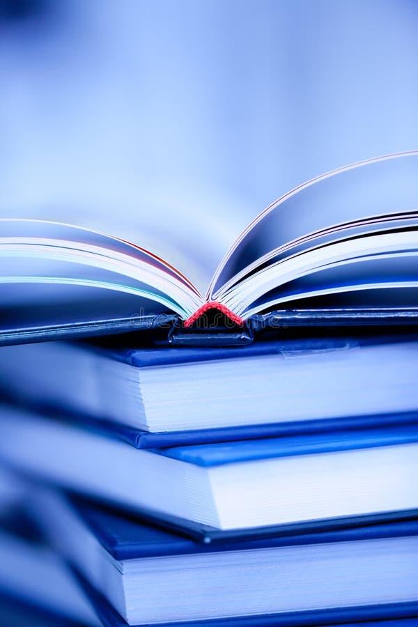 Stapel van boeken stock foto's