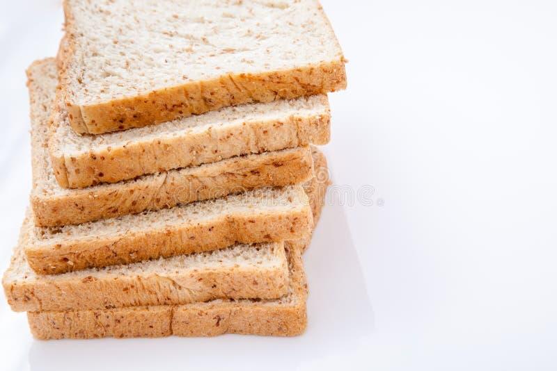 Stapel van brood van de plak het gehele tarwe royalty-vrije stock foto's