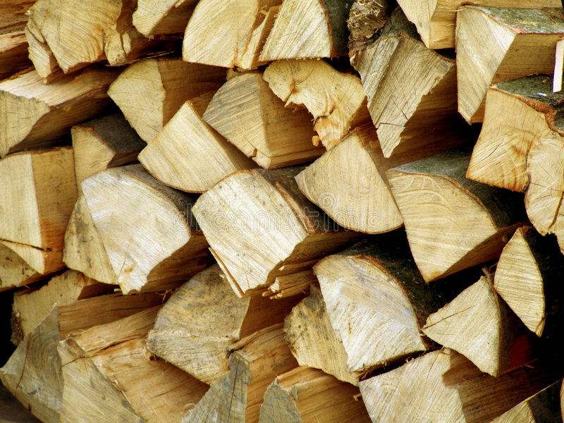 Stapel van droog brandhout stock foto
