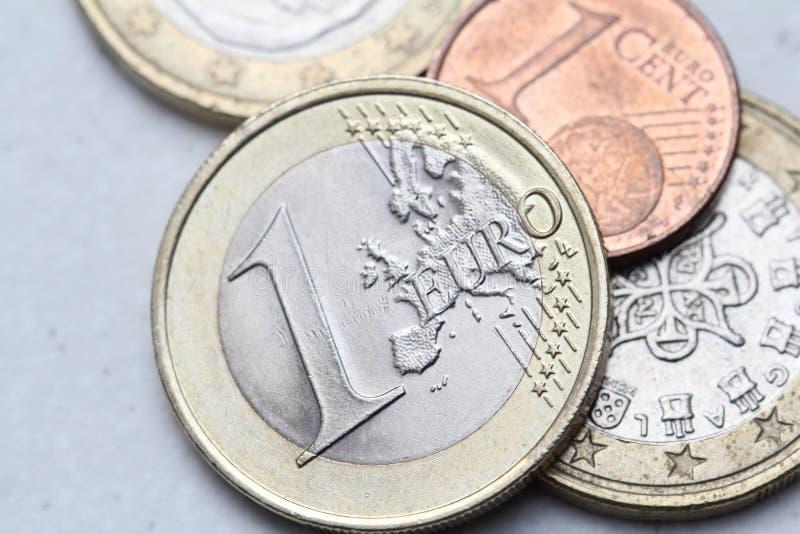 Stapel van euro muntstukkenclose-up royalty-vrije stock foto