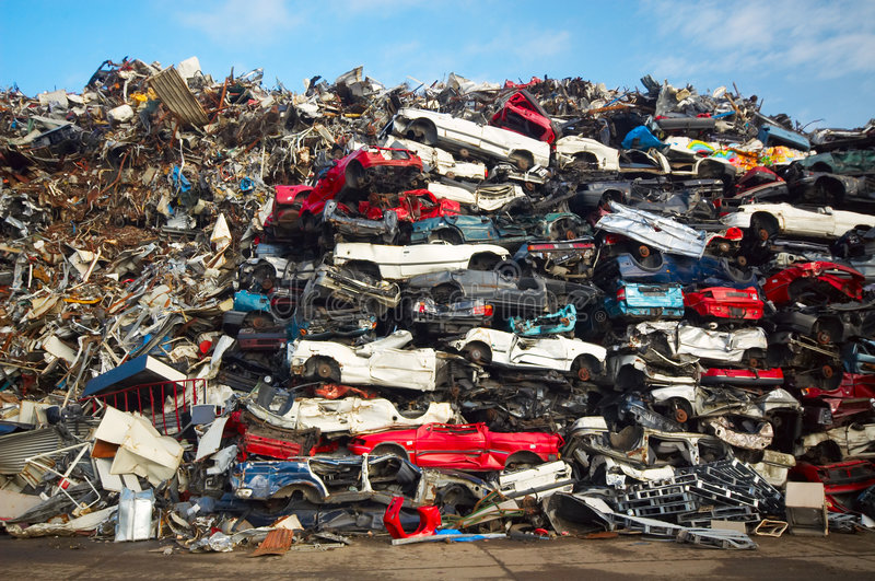 Stapel van gebruikte auto's royalty-vrije stock afbeelding