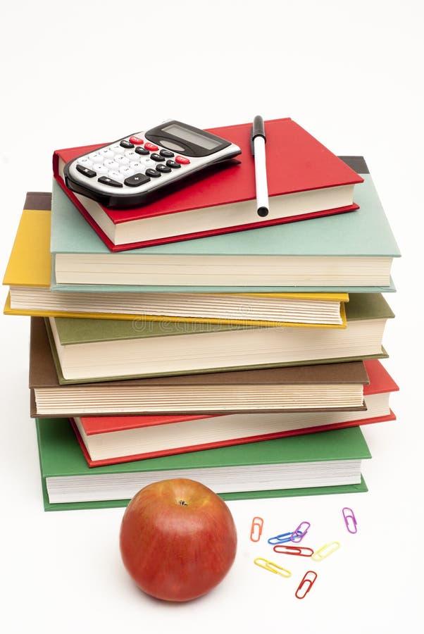 Stapel van handboeken en andere schoollevering royalty-vrije stock fotografie