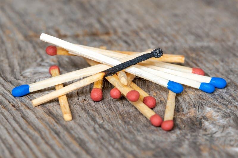 Stapel van houten matchsticks royalty-vrije stock foto's