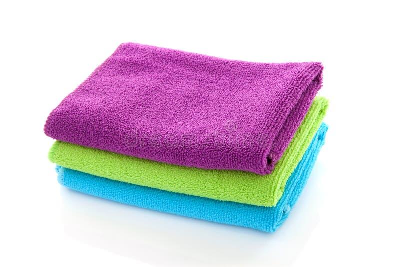 Stapel van kleurrijke handdoeken royalty-vrije stock foto