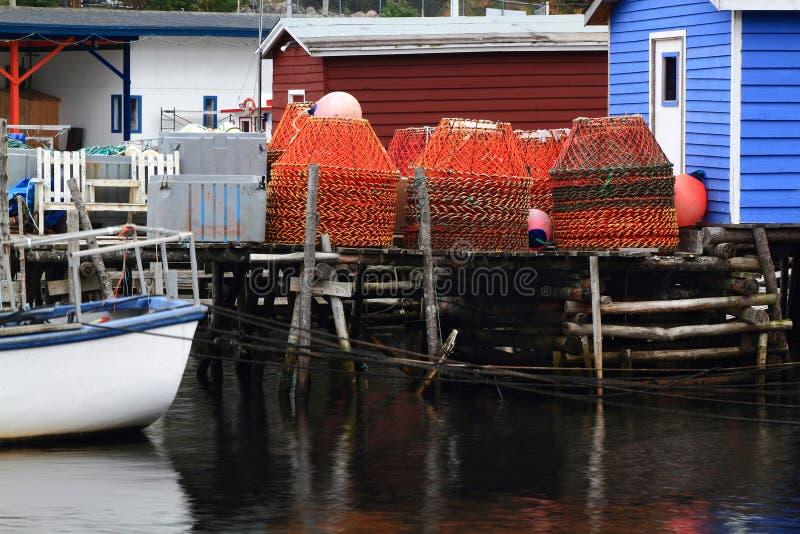 Stapel van krabnetten op het dok. royalty-vrije stock afbeelding