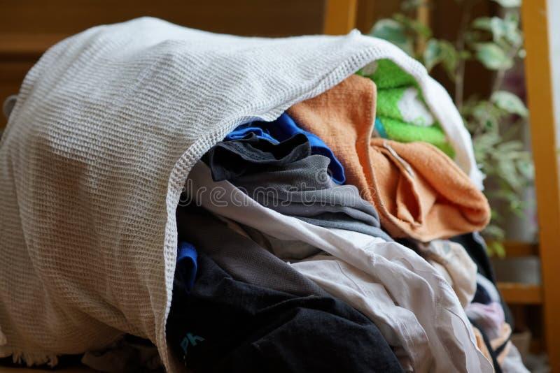 Stapel van ondergoed in verschillende kleuren royalty-vrije stock afbeeldingen