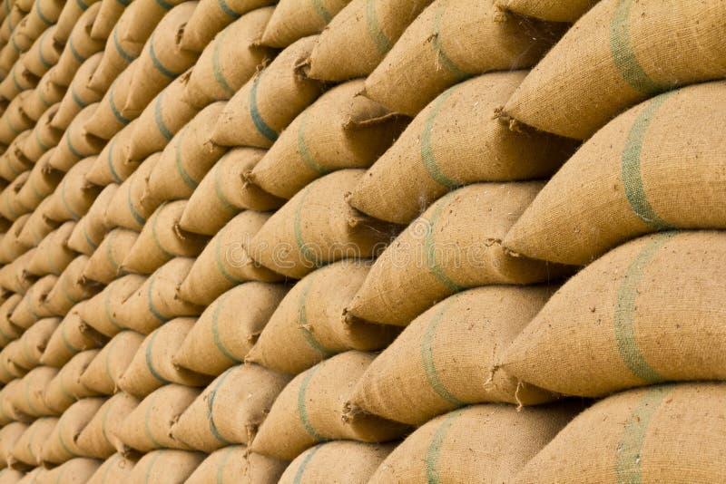 Stapel van rijstzakken. royalty-vrije stock foto's