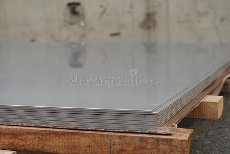 Stapel van roestvrij staalblad stock afbeelding