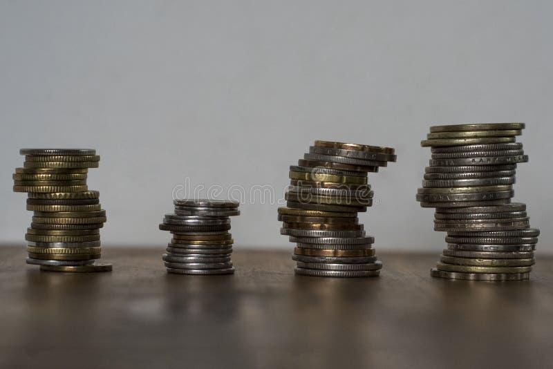 Stapel von asiatischen Münzen stockbilder