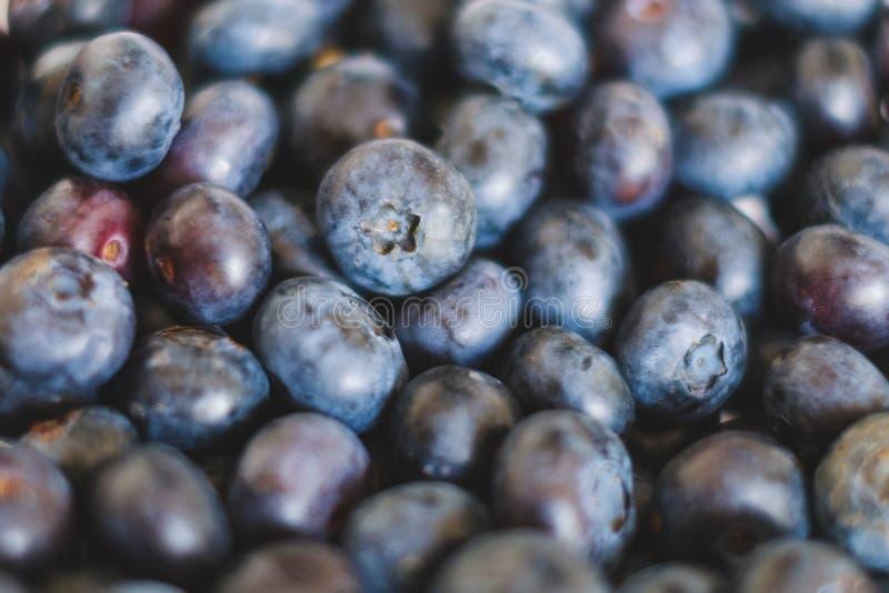 Stapel von Blaubeeren, blaues Beerenobst stockfotografie