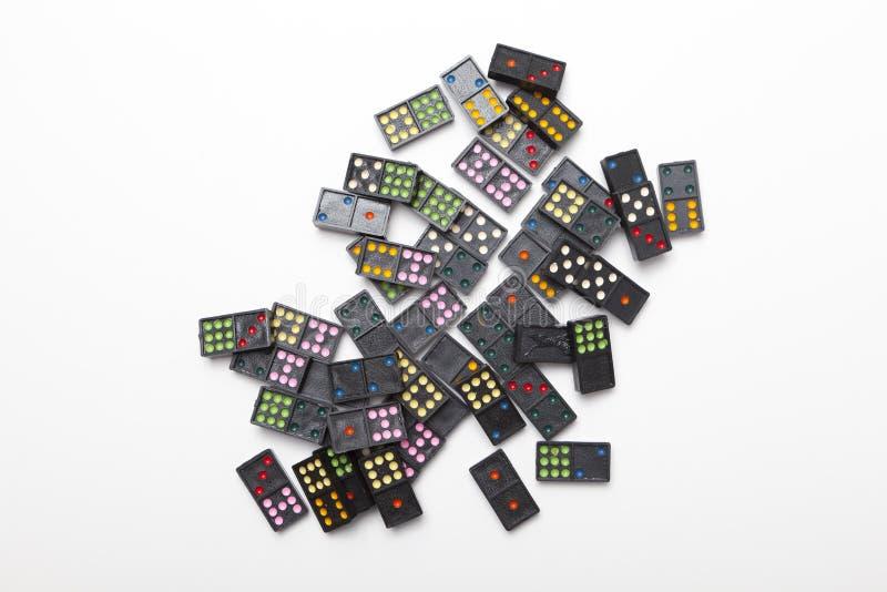 Stapel von bunten Dominos stockfoto