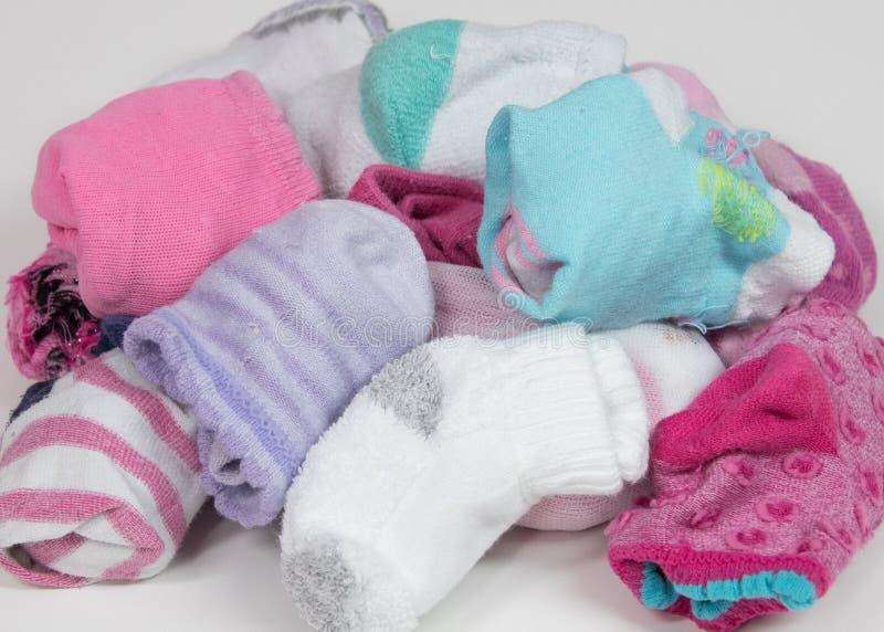 Stapel von sortierten Socken lizenzfreies stockfoto