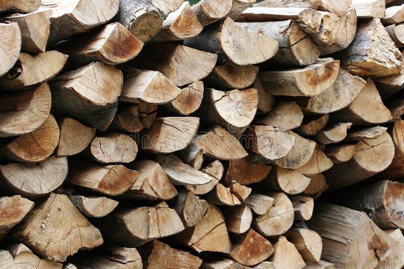 Stapels houten logboeken stock foto's