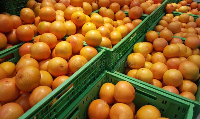 Stapels oranje exotische vruchten royalty-vrije stock foto