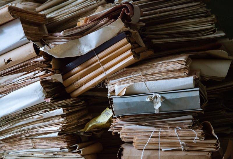 Stapels van oude documenten royalty-vrije stock afbeeldingen