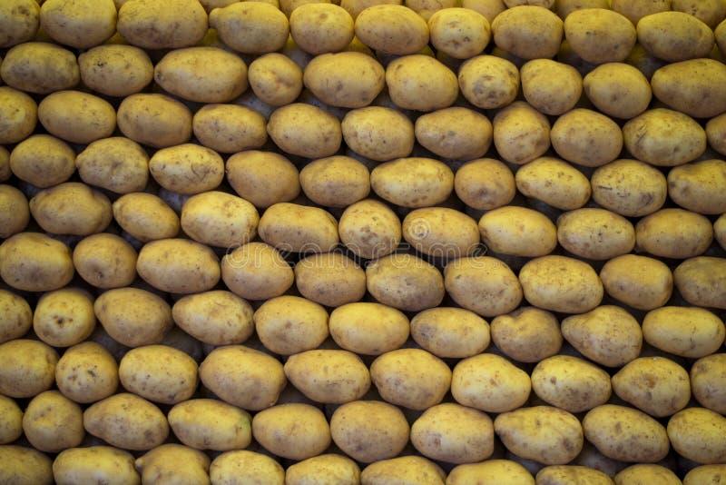 Staplade potatisar royaltyfria foton
