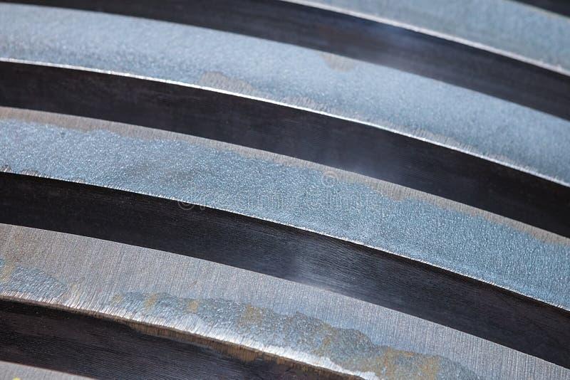 Staplade stålplattor, nära övre arkivfoton