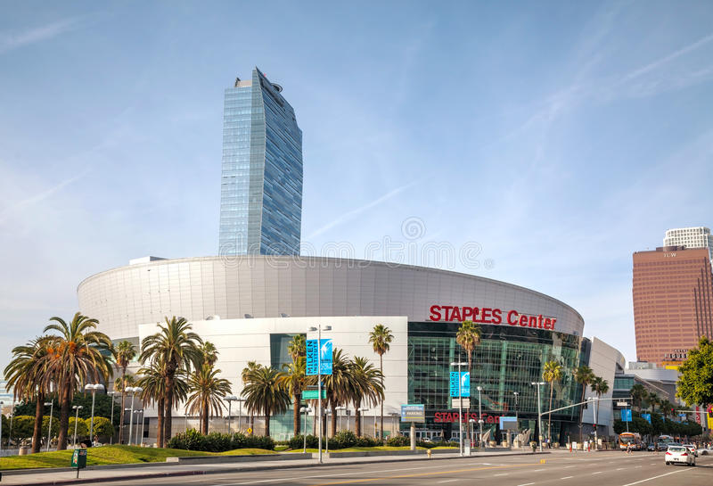 Staples Center en Los Ángeles céntrico, CA foto de archivo