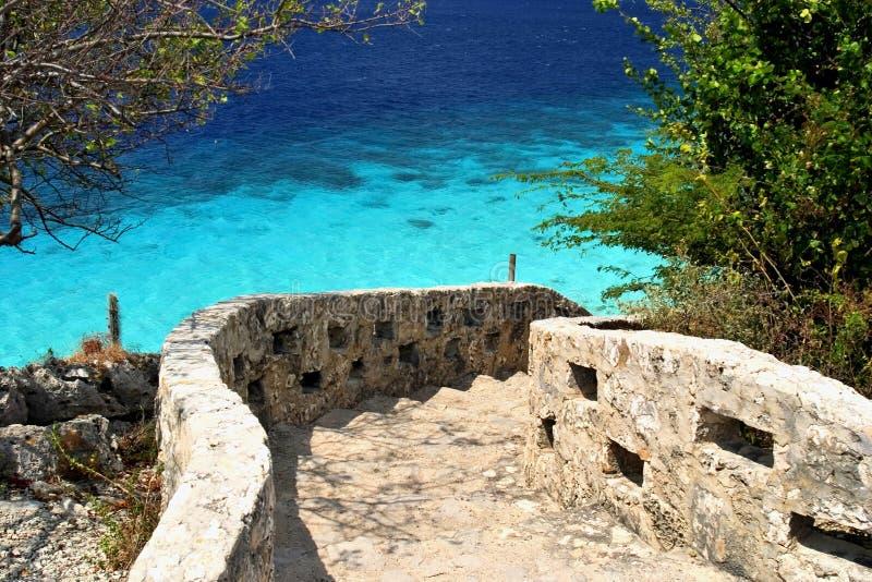 Stappen aan oceaan, Bonaire royalty-vrije stock afbeelding