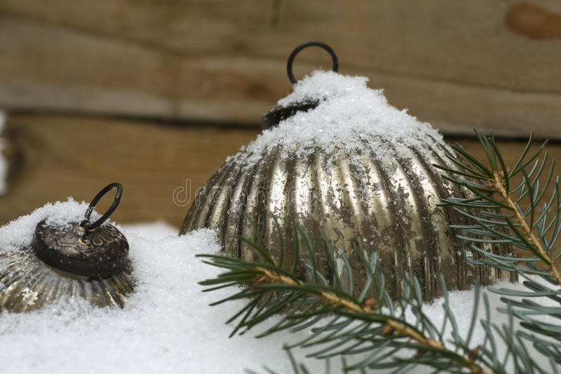 Star In Silver Sparkles In Snow Royalty Free Stock Photos