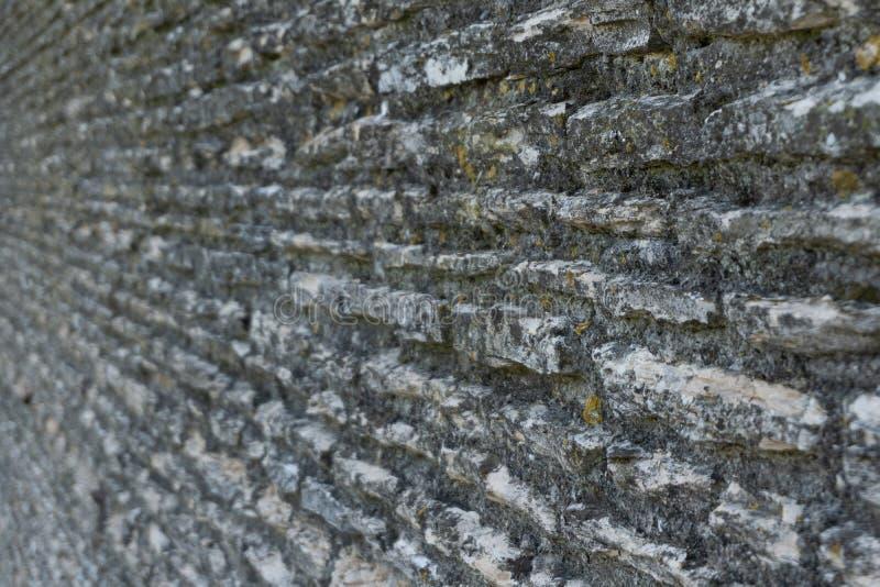 Stara ściana z ostrości przy kątem obrazy royalty free