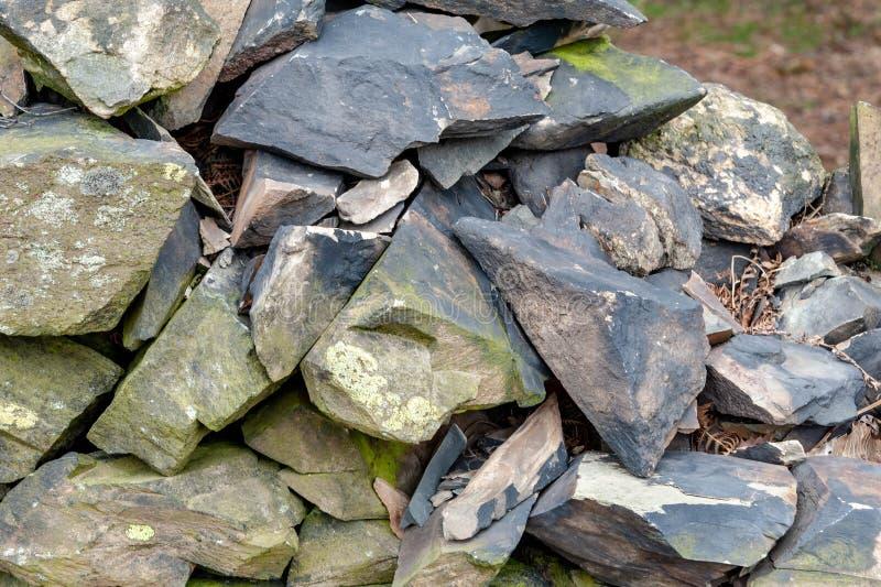 Stara Łupkowa Kamienna ściana zdjęcie royalty free