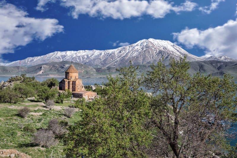 Stara Armeńska katedra na wyspie w Van Miasto, Turcja zdjęcia stock