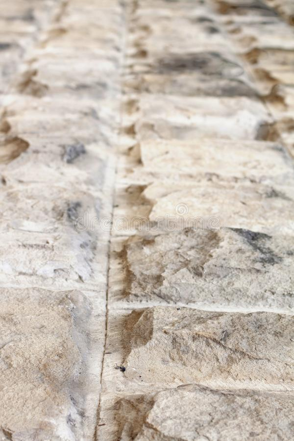 Stara ashlar ściana robić dolomit skała rzeźbiąca obrazy royalty free