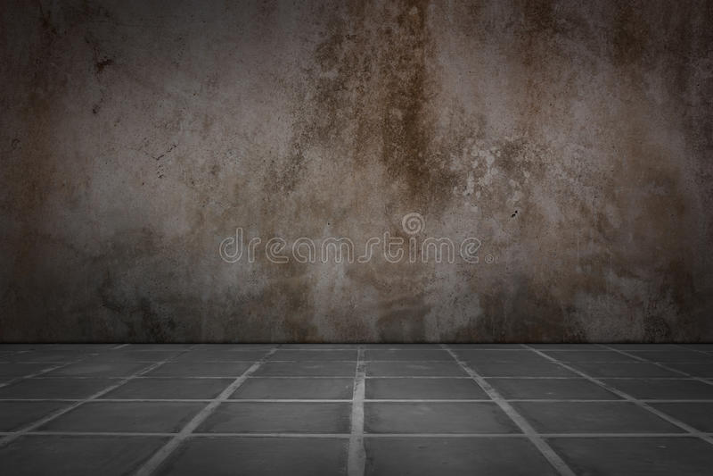 Stara betonowa ściana i podłogowe płytki zdjęcia royalty free