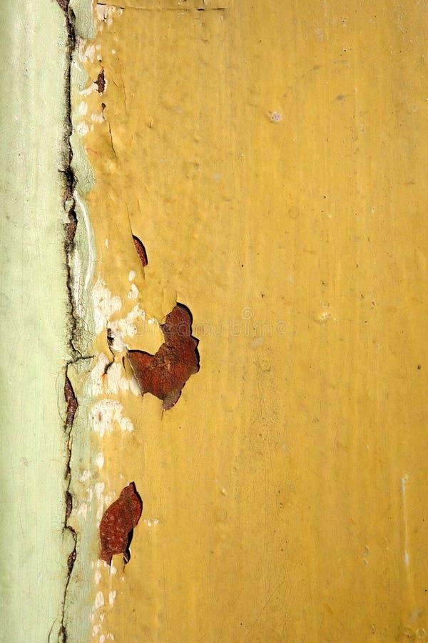 Stara betonowa ściana z przełamem i pęknięciem fotografia stock