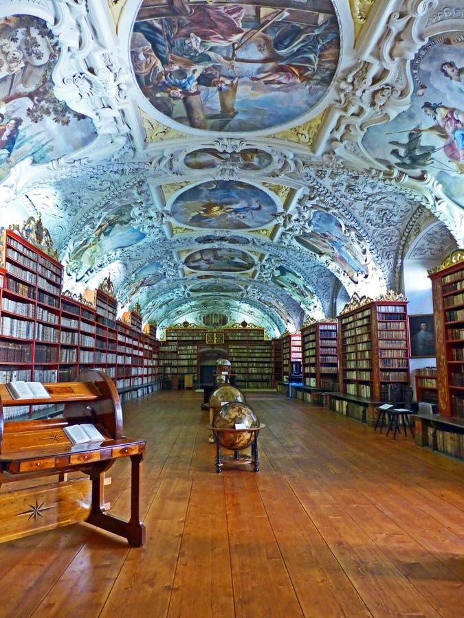 Stara biblioteka Strahov monaster w Praga zdjęcie royalty free