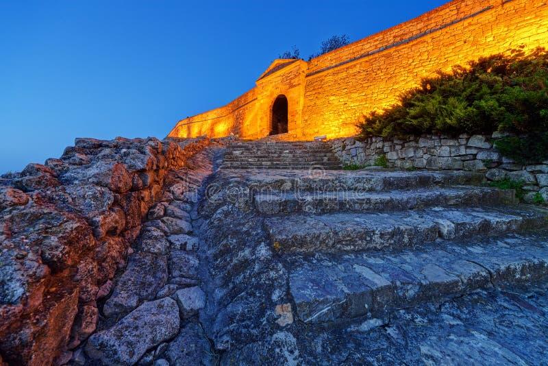 Stara brama i schodki przy Belgrade fortecą obraz royalty free