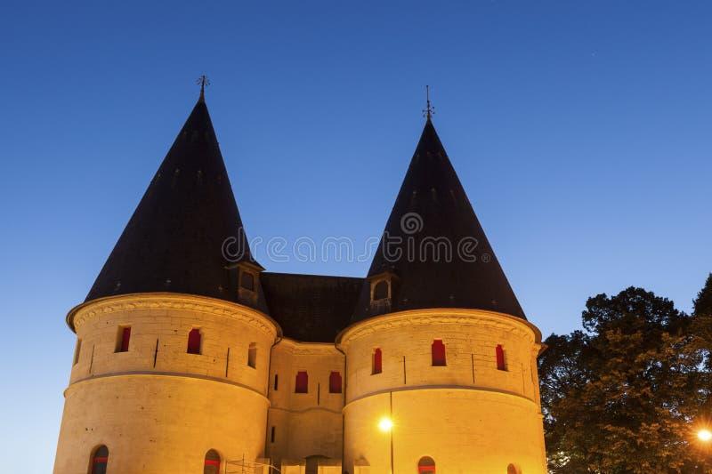 Stara brama w Beauvais przy nocą fotografia royalty free