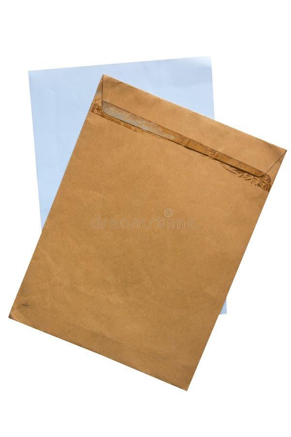 Stara brown koperta i papier odizolowywamy na białym tle zdjęcia stock