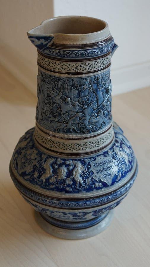 Stara ceramiczna piwna dzbanek niemiec tradycja obraz royalty free