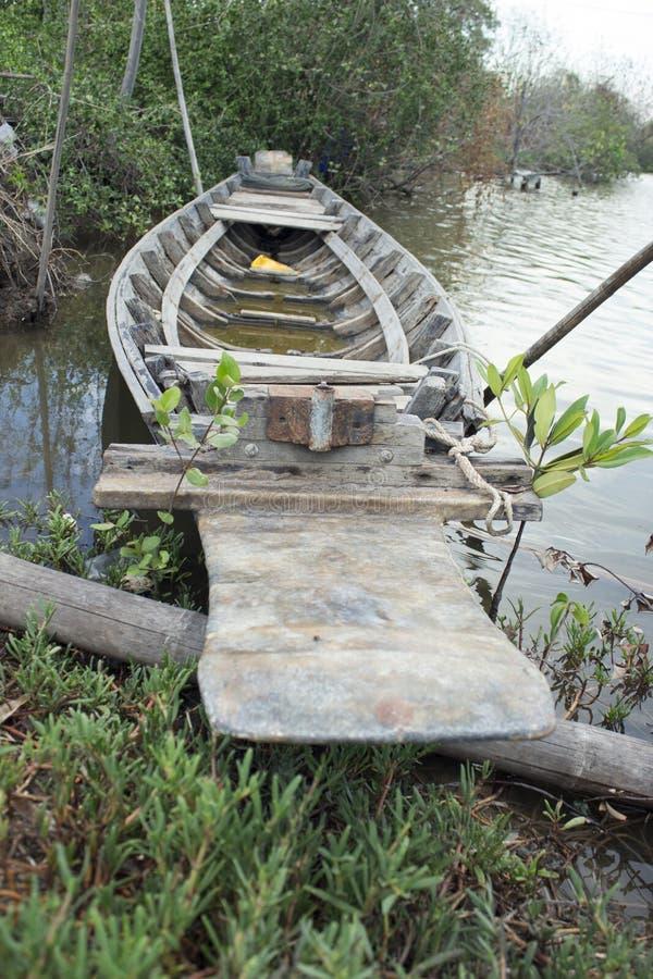 Stara drewniana łódź w kanale fotografia royalty free
