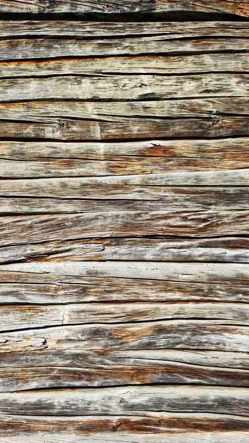 Stara drewniana ściana z piękną teksturą i ulgą, zakończenie w górę Pionowo tło dla projekta obrazy stock