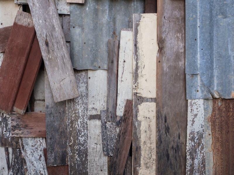 Stara drewniana deski mieszanka z zine prześcieradłem zdjęcia stock