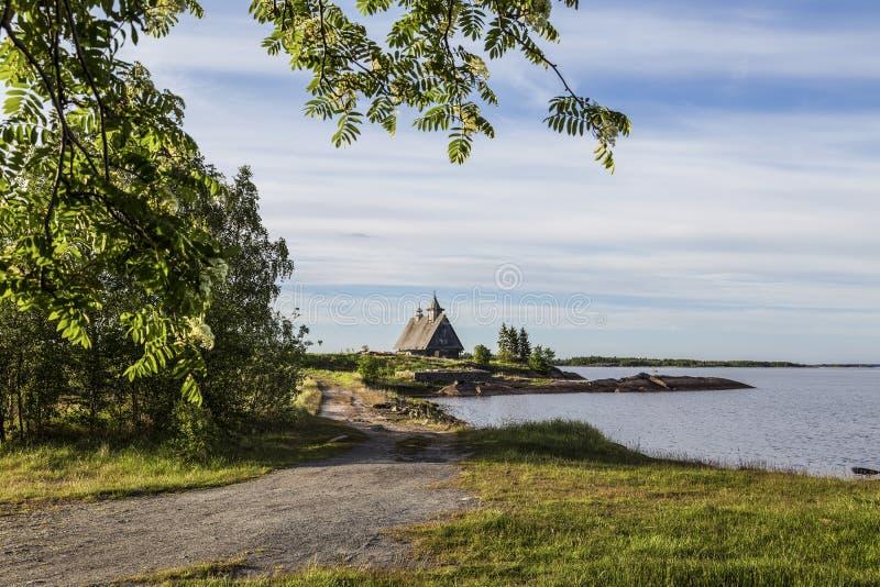 Stara drewniana kaplica na Białym morzu fotografia royalty free