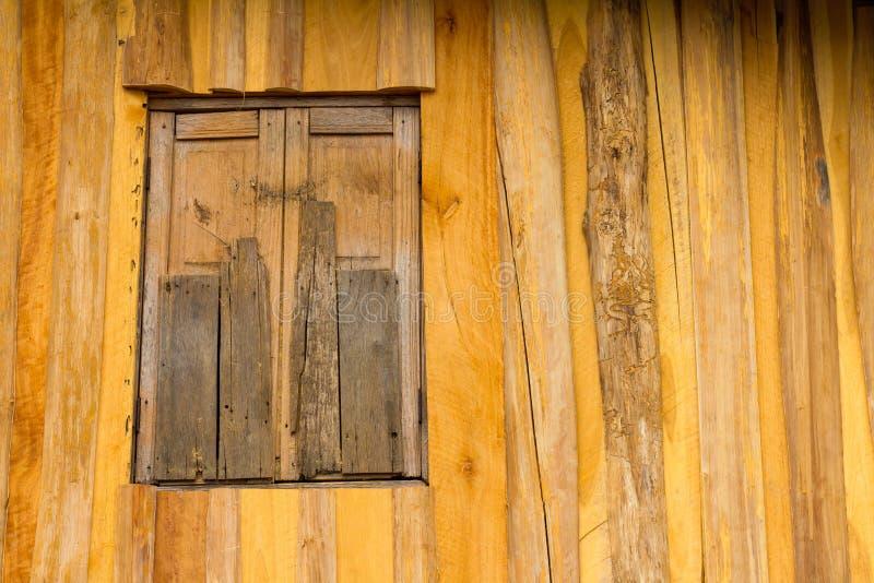 Stara drewniana okno ściana obrazy stock