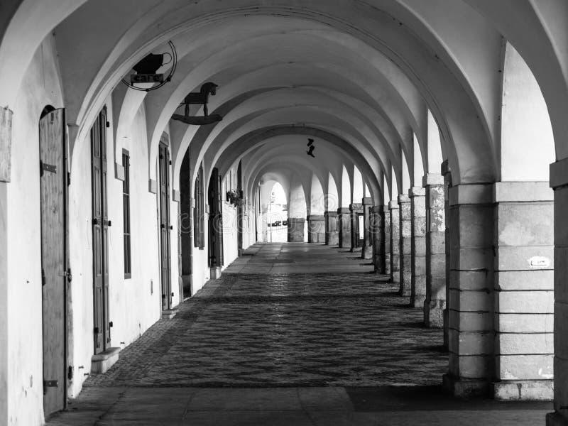 Stara dziejowa arkada w Loretanska ulicie blisko Praga kasztelu, Praga, republika czech zdjęcie royalty free