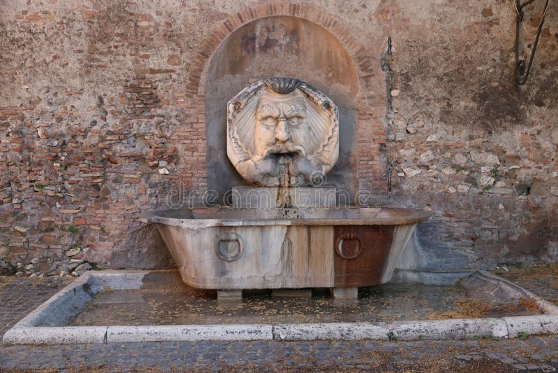 Stara fontanna na Aventine wzgórzu fotografia royalty free