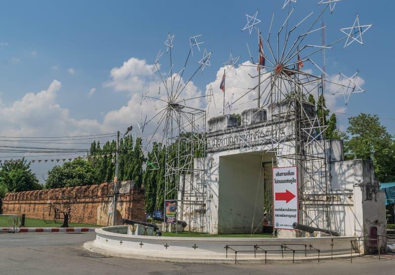 Stara Grodzka brama Kanchanaburi Tajlandia jest sławnym atrakcją turystyczną zdjęcie stock