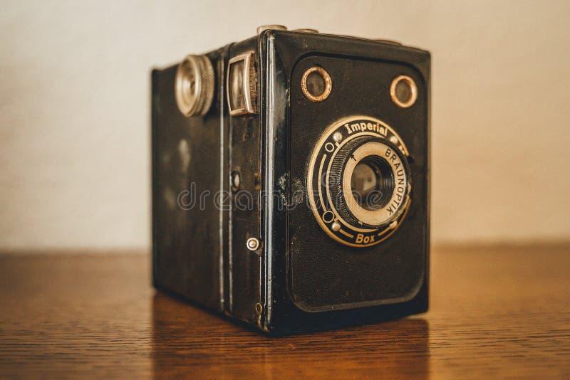 Stara kamera na stole fotografia royalty free