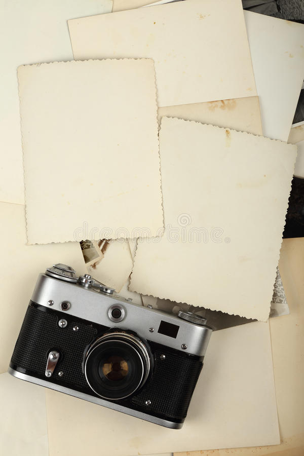 Stary album i kamera obraz stock