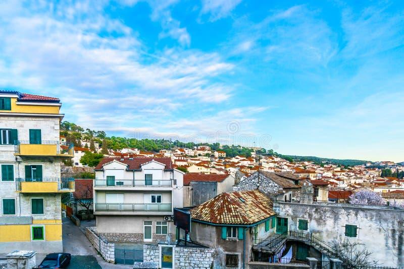 Stara kamienna architektura w Sibenik mieście, Chorwacja obraz royalty free