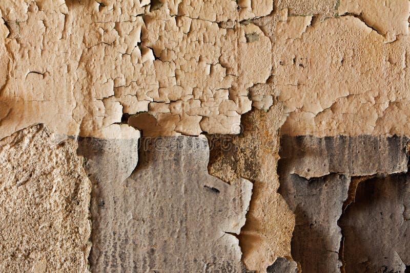 Stara krakingowa i obdrapana ściana budynek zdjęcia royalty free